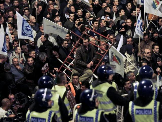 Polícias manif Março 2014