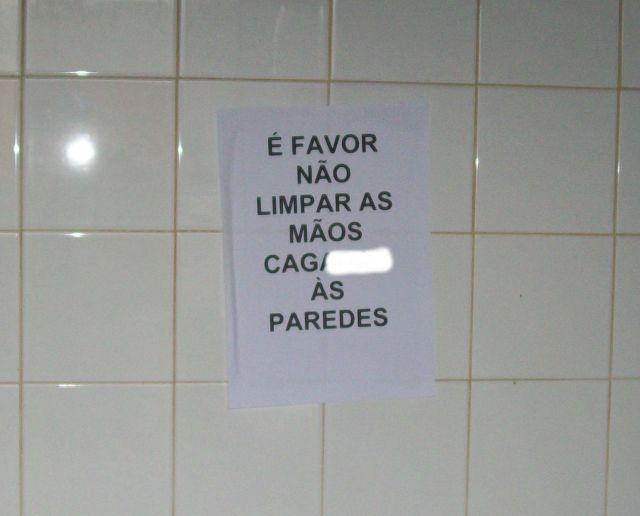Limpar as mãos à parede