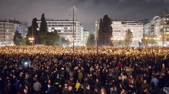Atenas na rua apoia ao Tsipras