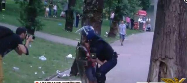 CM benfica polícia protege menino
